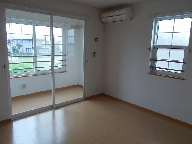物件番号: 1110305766 ノワ・ド・ココB  富山市本郷町 2LDK アパート 画像3