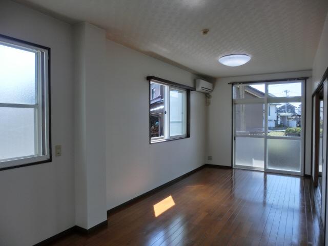 物件番号: 1110305802 ベルクレエ長江  富山市長江5丁目 2LDK アパート 画像4