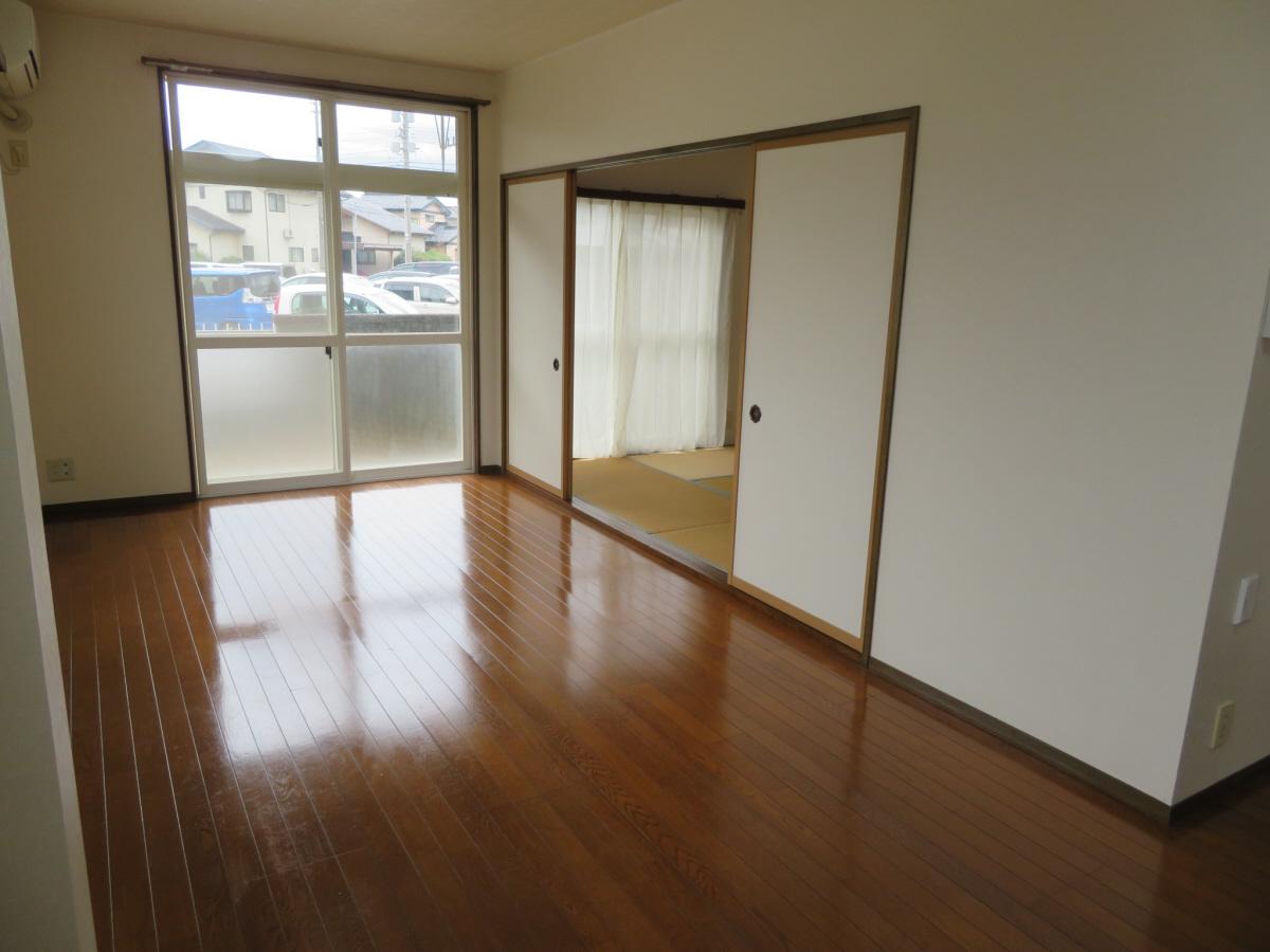 物件番号: 1110305802 ベルクレエ長江  富山市長江5丁目 2LDK アパート 画像7
