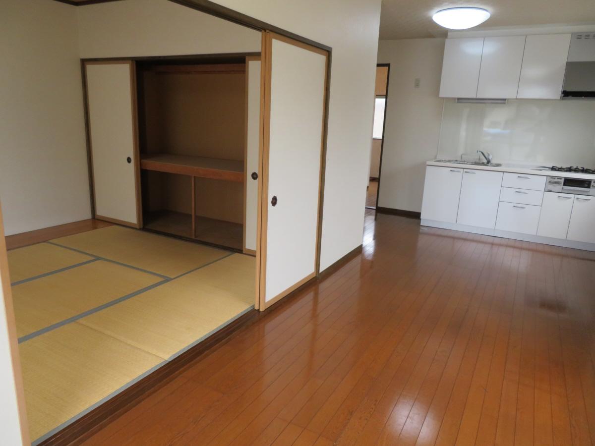 物件番号: 1110305802 ベルクレエ長江  富山市長江5丁目 2LDK アパート 画像9