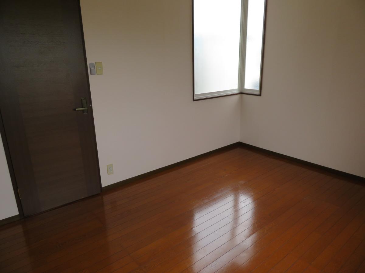 物件番号: 1110305802 ベルクレエ長江  富山市長江5丁目 2LDK アパート 画像18