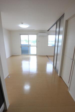 物件番号: 1110306111 メゾンドレッセ  富山市黒瀬 1LDK アパート 画像1