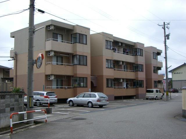 物件番号: 1110308643 コーポラス中川  富山市中市2丁目 2LDK マンション 外観画像