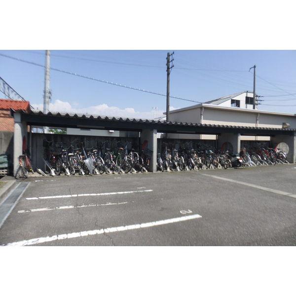物件番号: 1110306502 アパラザール東富山  富山市東富山寿町3丁目 3LDK マンション 画像4