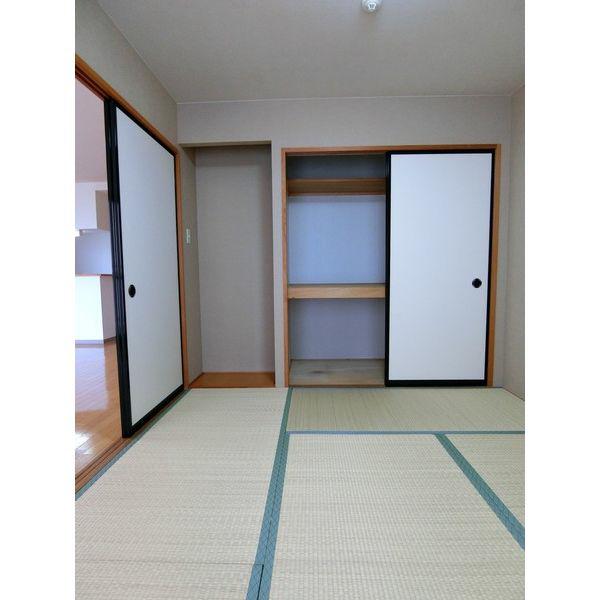 物件番号: 1110306502 アパラザール東富山  富山市東富山寿町3丁目 3LDK マンション 画像8