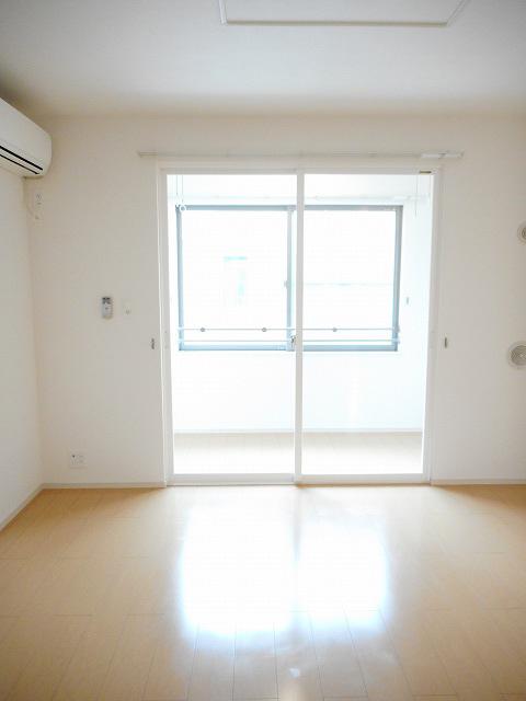 物件番号: 1110308375 ドゥ・ファミーユB  富山市常盤台 2LDK アパート 画像1