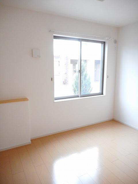 物件番号: 1110308375 ドゥ・ファミーユB  富山市常盤台 2LDK アパート 画像3