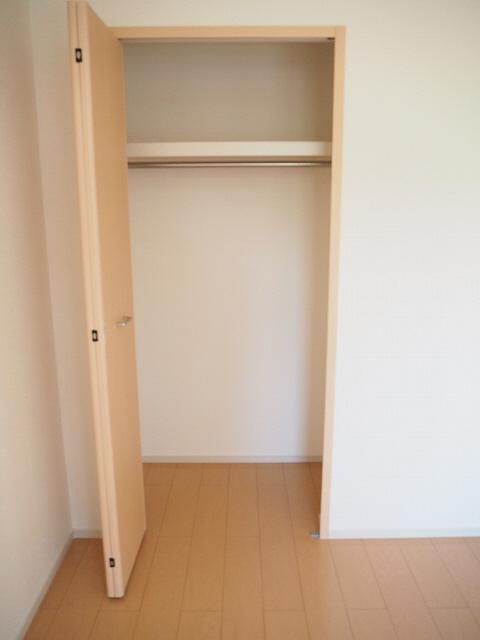 物件番号: 1110308375 ドゥ・ファミーユB  富山市常盤台 2LDK アパート 画像4