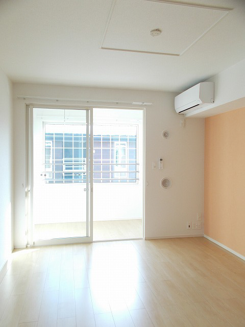 物件番号: 1110307417 サニースクエア  富山市向新庄町5丁目 2LDK アパート 画像1
