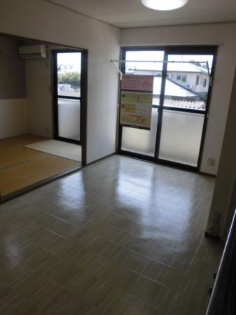 物件番号: 1110308512 ヴィルクレールA棟  富山市中川原 3DK アパート 画像1