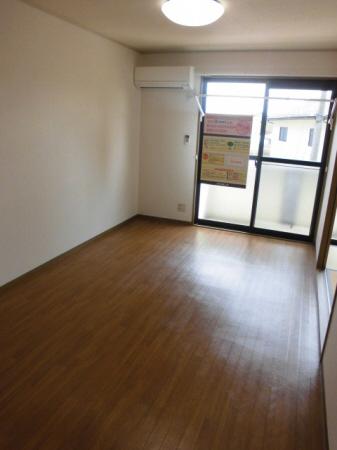 物件番号: 1110308514 ヴィルクレールB棟  富山市中川原 2DK アパート 画像1