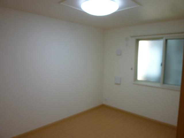物件番号: 1110308786 グランMIKI 1  富山市清水町8丁目 1LDK アパート 画像1