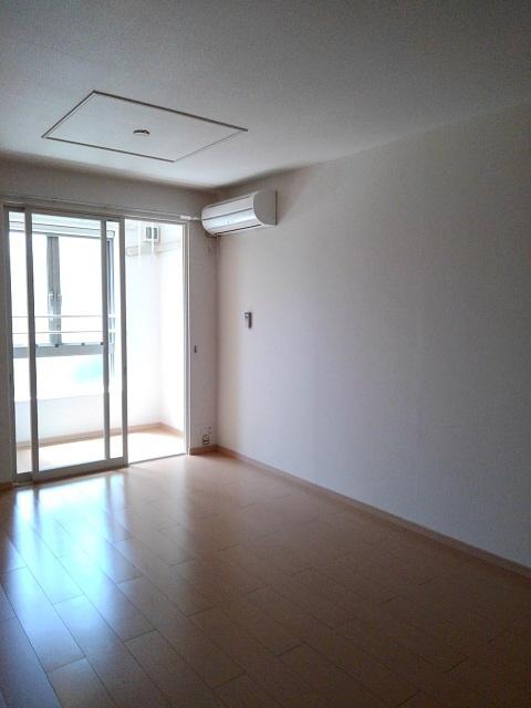 物件番号: 1110309055 カレント  富山市婦中町袋 2LDK アパート 画像1