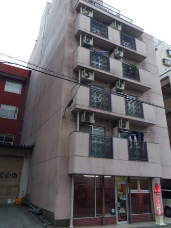 物件番号: 1110301720  富山市五番町 1K マンション 外観画像